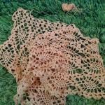 「トゥール」で陽だまり色のパイナップル編みストールを編んでいます(^o^)