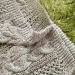 スビンゴールドで編むクロスショルダーのセーターが完成しました(・ω・)ノ