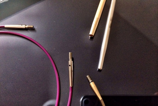 針の取り付け部分比較。 コネクト部分はニットプロの方がやや長めです。