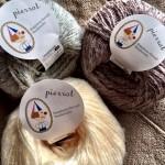 編み物を進めてないのに、糸とパターンは増え続ける不思議。。。