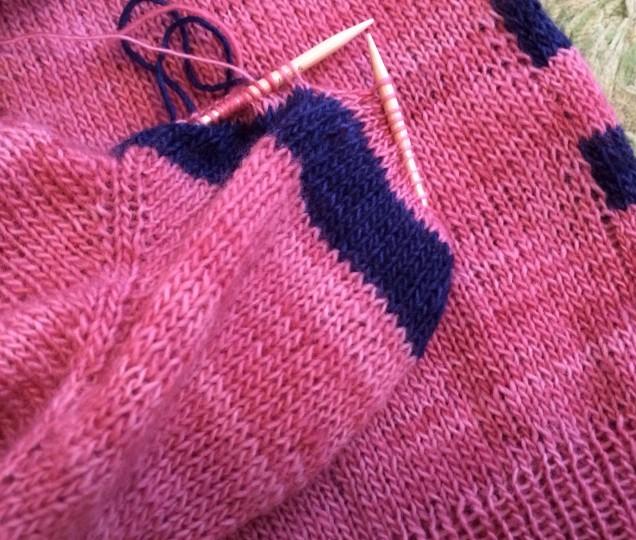 お袖は後ろと同じピンク×ブルーのボーダーです♪