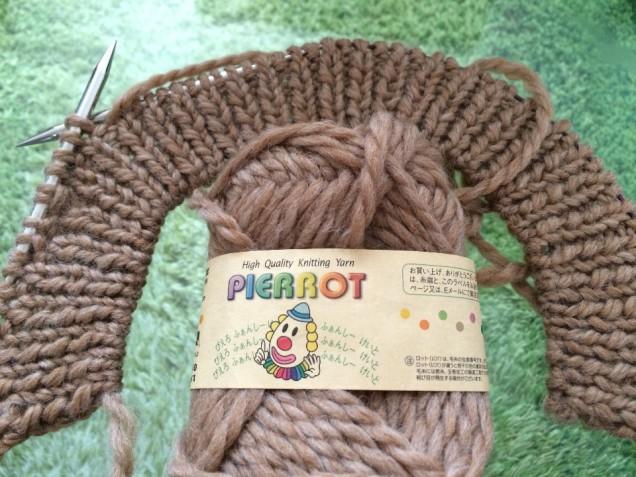 1目ゴム編みは指定より多く、10段にしました。