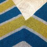 「Seashore」の悩みいっぱいの片袖が編めました。