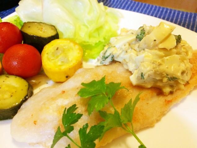 タピオカ粉をまぶしてオリーブオイルで焼きました。 柔らかくて食べやすいお魚です★