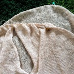 Vネックプルオーバーの身ごろが編み上がりました!