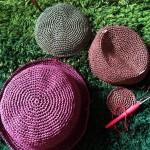 編みかけと新しいオールフリー。