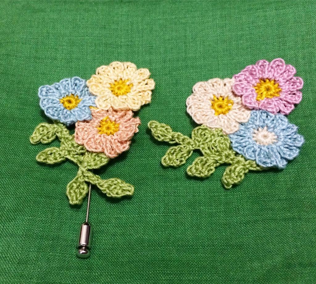 カワイイ小花のコサージュ❤︎色を変え、形を変えて楽しんでいます❤︎