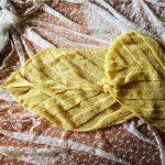 カモミール色のBanana Leaf Shawlが編み上がりました。